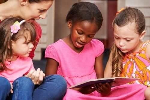 quando si sta imparando a leggere è importante evitare i confronti con i compagni