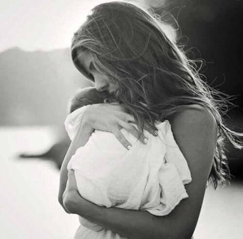 La cosa più potente da dire a una mamma che ha perso un figlio