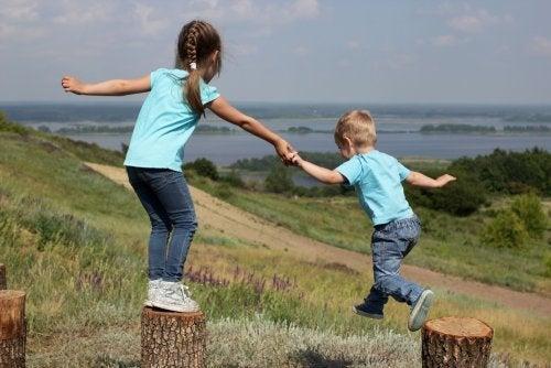 Rivalità e affetto tra fratelli, la base di un rapporto unico