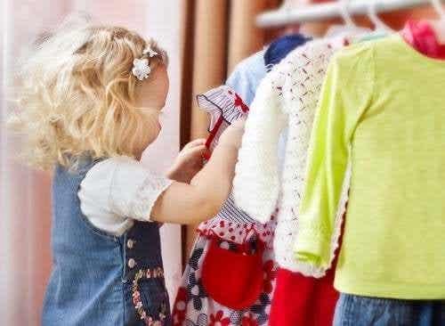 Far decidere ai figli cosa indossare è importante