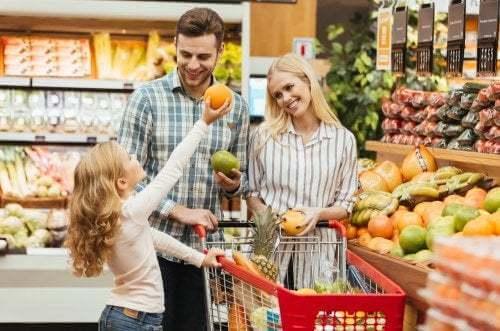 Famiglia al supermercato
