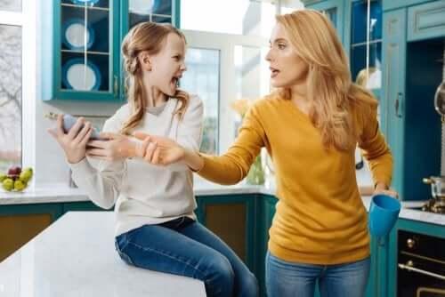 I genitori possono controllare i social network dei figli?
