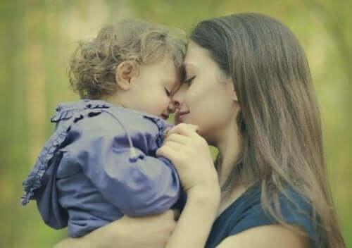 Le 7 bugie delle mamme che prima o poi tutte dicono
