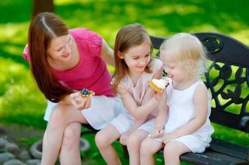 4 regole per insegnare ai figli a condividere