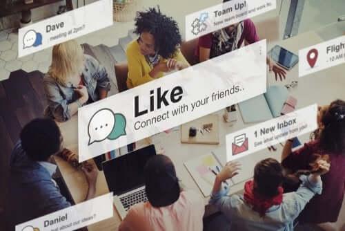 i social network sono parte integrante della vita di ogni adolescente