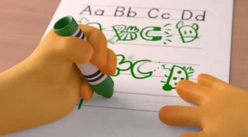 Scena di Alike bambino che disegna