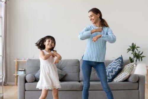 la babysitter è una persona con la quale i bambini dovrebbero stringere un sano legame affettivo