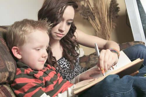 la baysitter è una petrsona con la quale i nostri figli condividono ogni aspetto della loro quotidianità