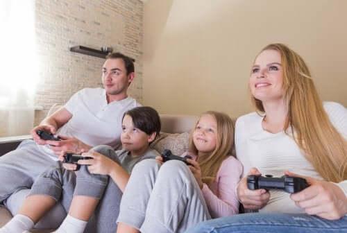 condividere passioni e interessi non equivale a essere amici dei nostri figli
