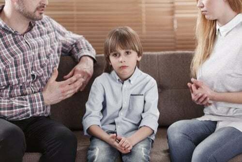 Genitori che discutono