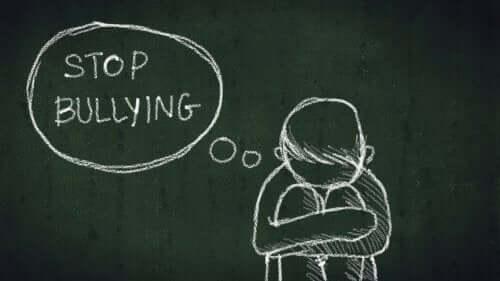 Prevenire il bullismo nelle scuole con 3 dinamiche