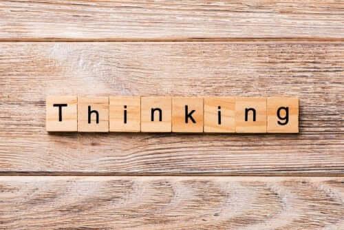 il metodo Desing Thinking consiste nell'immaginare diverse possibili soluzioni creative e applicarle.
