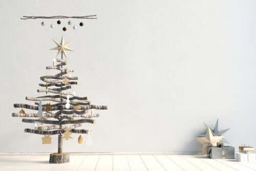 Albero di Natale solo con rami.