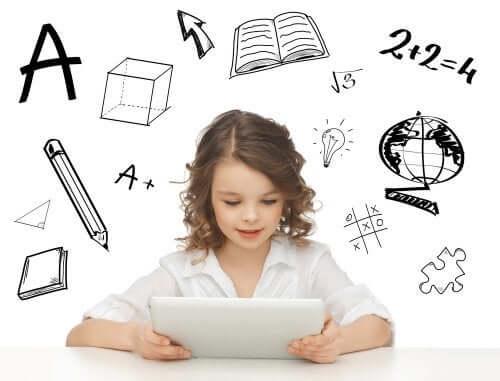 Bambina che usa un tablet con app per studiare.