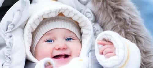 4 consigli per evitare che un neonato soffra il freddo