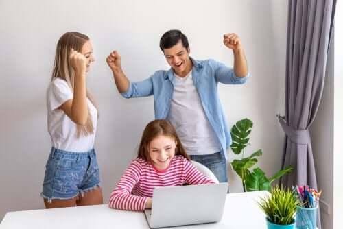 per migliorare l'autostima dei bambini è necessario amare e valorizzare i più piccoli