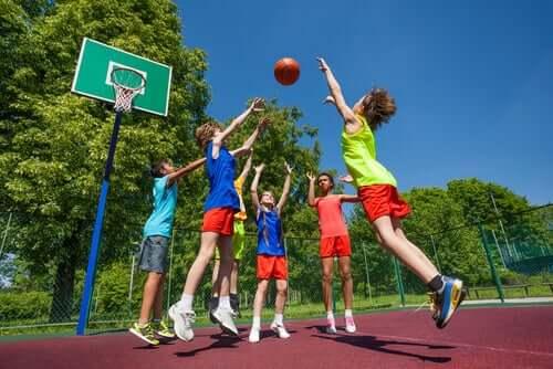 la pallacanestro è il secondo sport che presenta la maggior incidenza di infortuni sportivi nei bambini