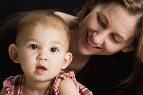Parlare a vostro figlio fa risvegliare il suo cervello