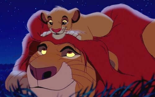 Personaggi re leone simba e mufasa che si guardano.