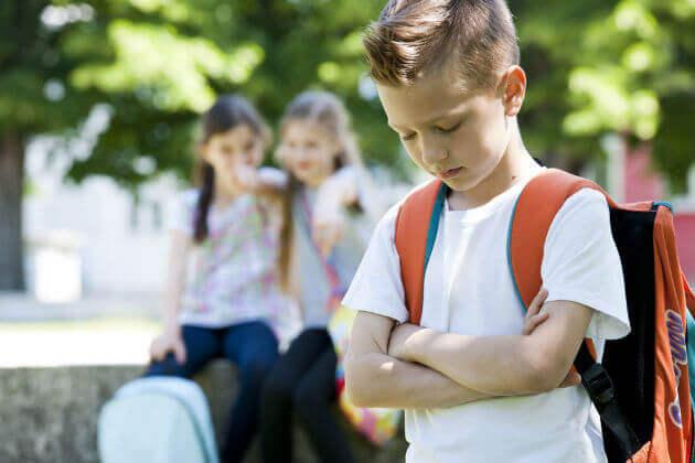 se prendono in giro vostro figlio, fategli percepire la sua diversità come un valore e non come un difetto