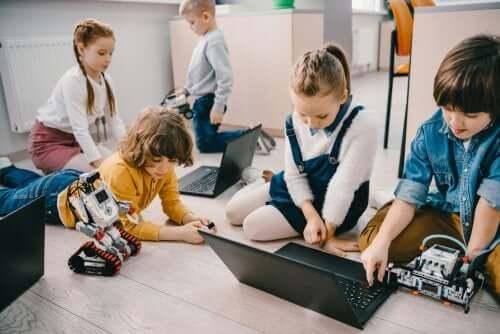Gli ambienti personalizzati di apprendimento comportano un largo uso della tecnologia.