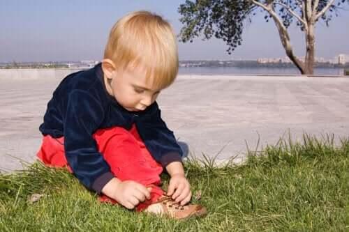 Come promuovere l'autonomia durante l'infanzia