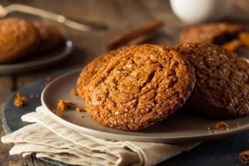 La preparazione dei biscotti è anche un'ottima occasione per trascorrere del tempo con i propri bambini.