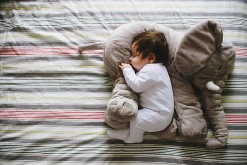 Imparare a dormire: il sonno tra i 2 e i 5 anni
