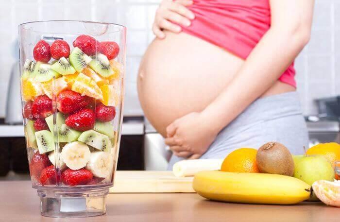 mangiare frutta e verdura in gravidanza aiuta a concepire un bambino più intelligente
