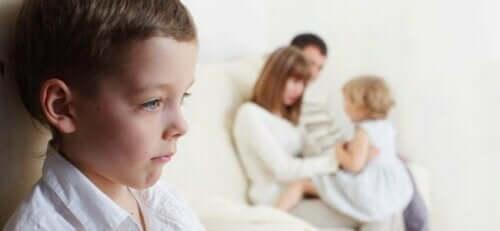 Cosa succede nel cervello dei bambini quando sono gelosi.