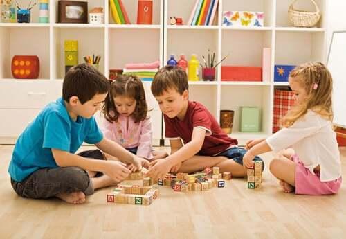 Giocare metodo Montessori