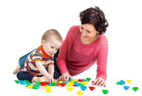 i giochi per bebè sono un ottimo stimolo per lo sviluppo del bambino