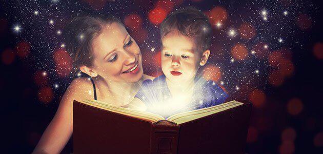 Imparare dalle favole a gestire le emozioni, mamma legge al bambino