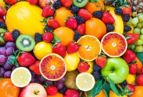 4 falsi miti sulla frutta da sfatare per mangiare sano