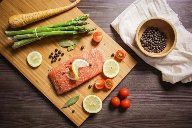 una dieta che contiene cibi ricchi di omega-3 aumenta le possibilità di concepire un bambino più intelligente