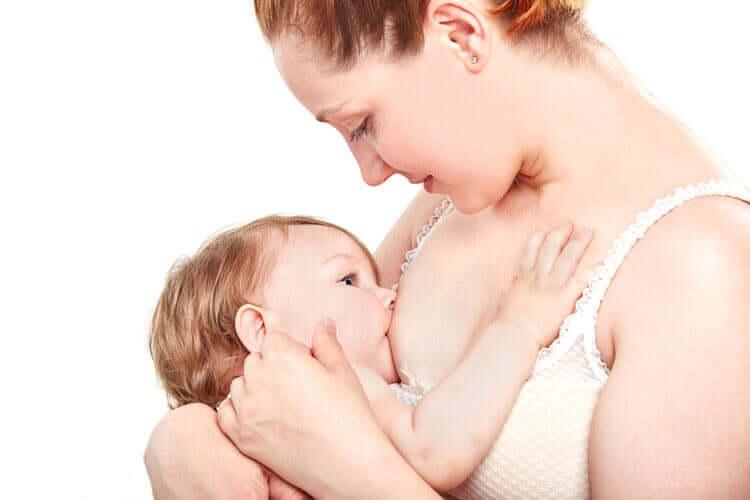 l'allattamento materno è la manifestazione di un atto d'amore