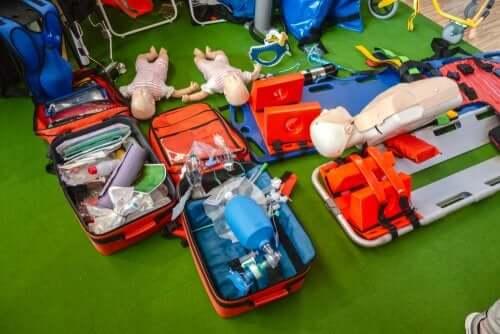 Supporto vitale di base, esercitazione su bambole e manichino
