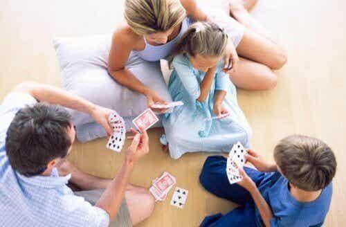 Giocare con i bambini li rende più intelligenti
