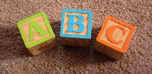 Lo sviluppo del linguaggio nei bambini: da cosa è influenzato?