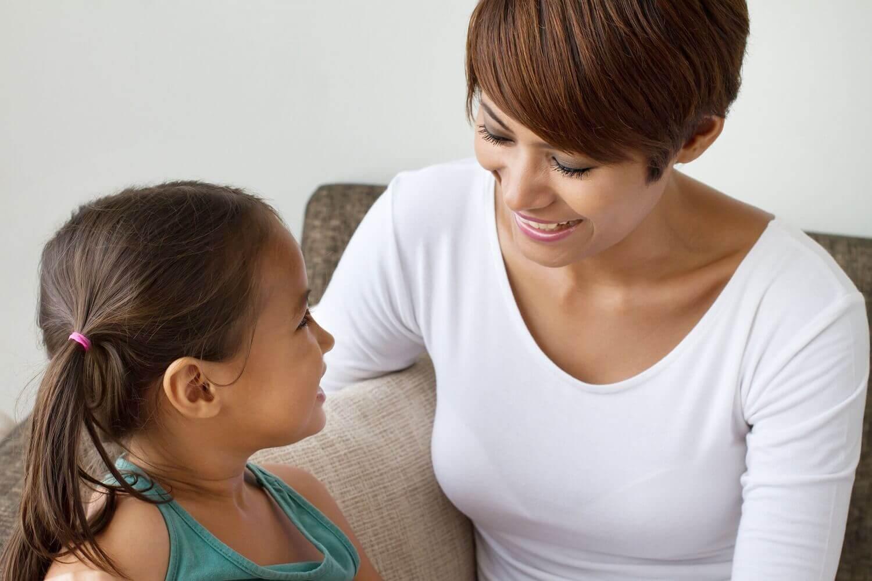 Per migliorare le capacità linguistiche dei bambini è importante una stimolazione quotidiana, tra le mura domestiche.