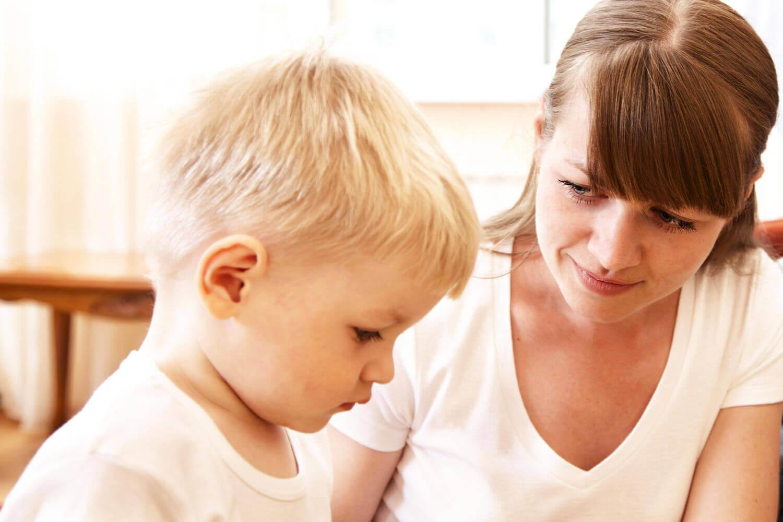 migliorare le capacità linguistiche di un bambino lo aiuta a godere di un completo sviluppo globale