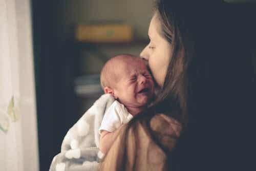 Sindrome del bambino scosso: sintomi e conseguenze