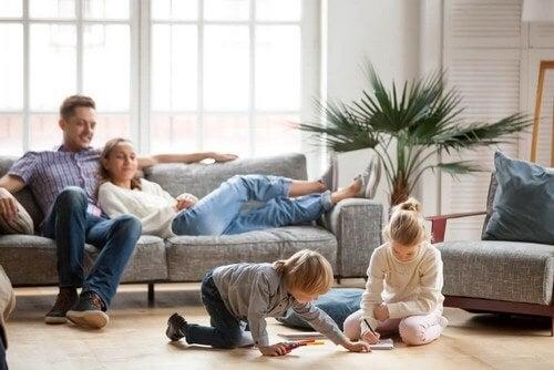 Restare in casa con i figli durante la quarantena