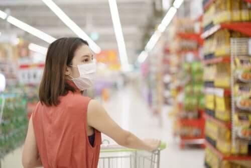 per fare la spesa durante l'isolamento è necessario adottare alcune precauzioni