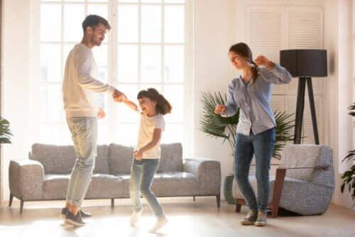 sono tanti i balli ed esercizi che possiamo realizzare con i bambini durante la quarantena