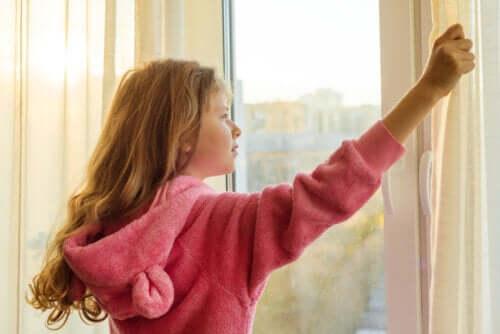 l'isolamento provoca una riduzione delle ore di esposizione alla luce solare