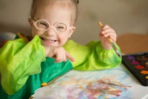 le attività creative sono ottime per sopportare la quarantena con bambini affetti da disabilità intellettiva