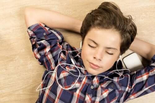 rilassarsi è particolarmente importante per sopportare la quarantena con bambini affetti da disabilità intellettiva
