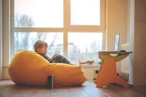 lo spazio di apprendimento ideale dovrebbe offrire al bambino diverse possibilità