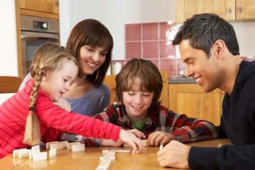 esistono molto semplici giochi che ci aiutano a rafforzare il legame tra genitori e figli